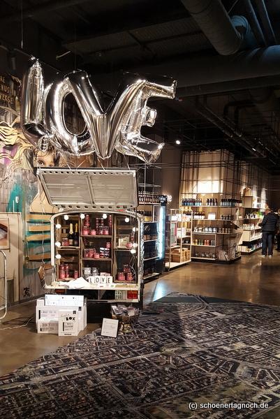 "Concept Store ""Boutiq"" in Mannheim Q6 Q7"