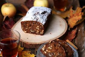 cake pommes rapide ,facile , cannelle , amandes ,raisins ,noix