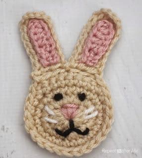http://translate.googleusercontent.com/translate_c?depth=1&hl=es&rurl=translate.google.es&sl=en&tl=es&u=http://www.repeatcrafterme.com/2014/10/r-is-for-rabbit-crochet-rabbit-applique.html&usg=ALkJrhitYtUbQXv4T9w1vXHBubWm2sgBSA