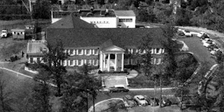 An aerial view of house at fountain heights
