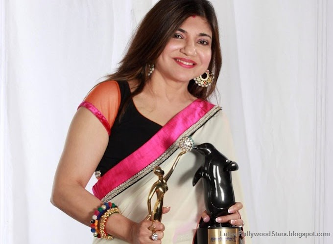 Top Best Alka Yagnik Wallpapers Collection