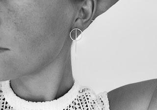 https://www.milasilver.se/smycken/orhangen/mila-rod-orhangen-silver.html
