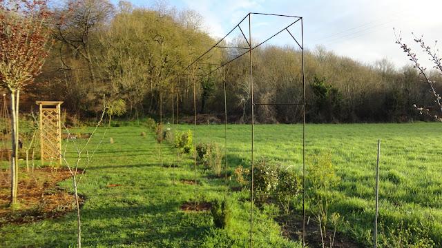 Nouvelles structures pour le jardin for Structurer un jardin