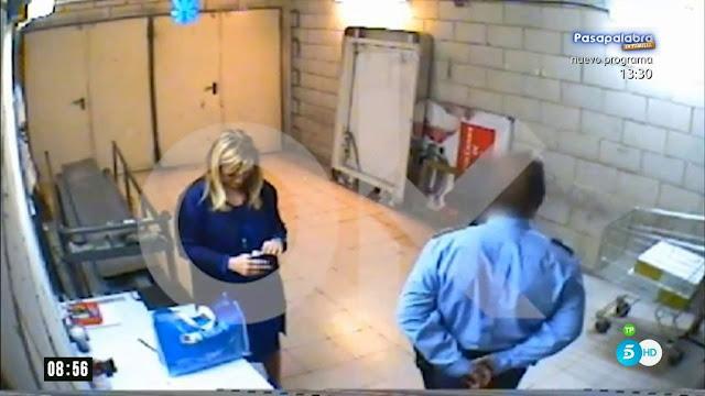 Cristina Cifuentes, acusada de robar dos cremas en 2011 en un supermercado