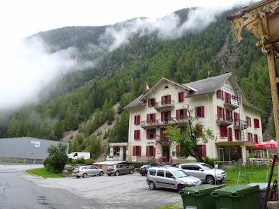 オーベルジュ・モンブラン 食品店 トリヤン スイス ツール・ド・モンブラン