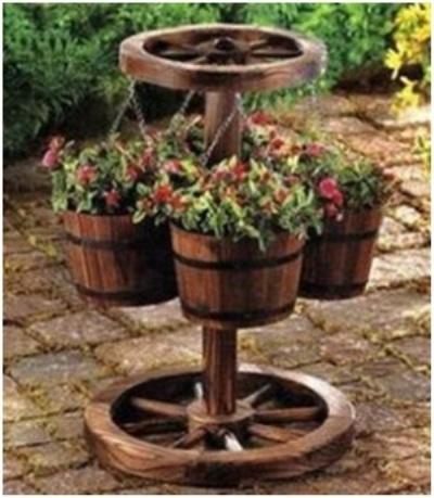 Gunakan kayu roda bekas untuk membuat pot bunga