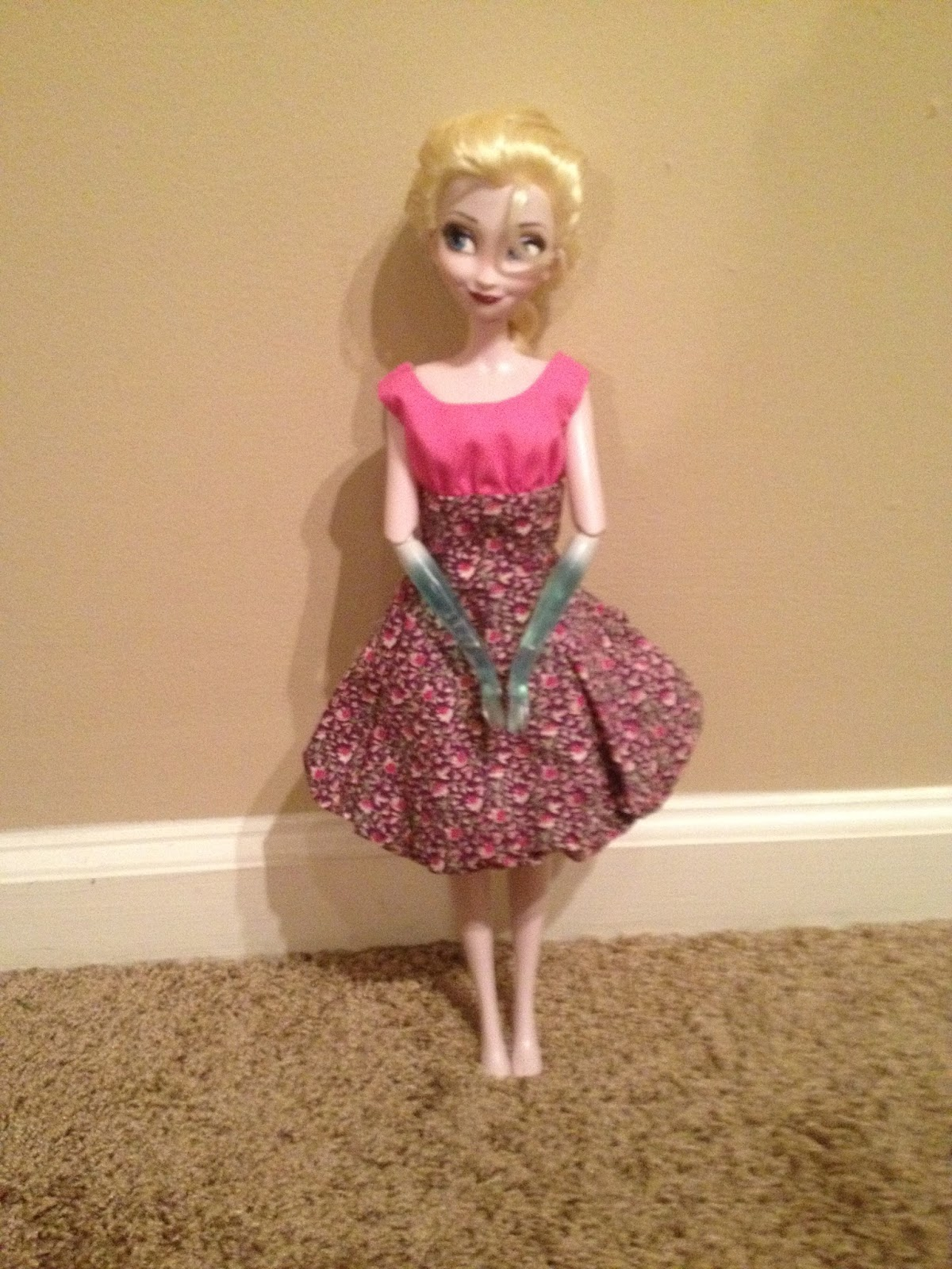 My Singing Elsa Was An Ebay Rescue So She Didnt Come With Her Shoes Does Have Original Ice Dress But Obviously Isnt Wearing It Here