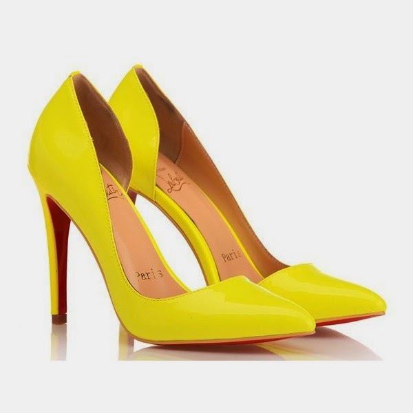 5597991dccc The photo is emma stone in christian louboutin iriza pumps yellow . The  patent leather material and the high heels is 120mm heels height .