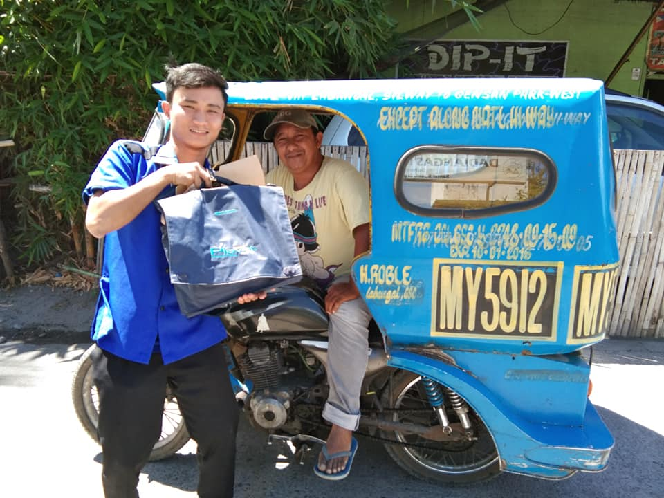 Honest Gensan tricycle driver returns laptop left by passenger