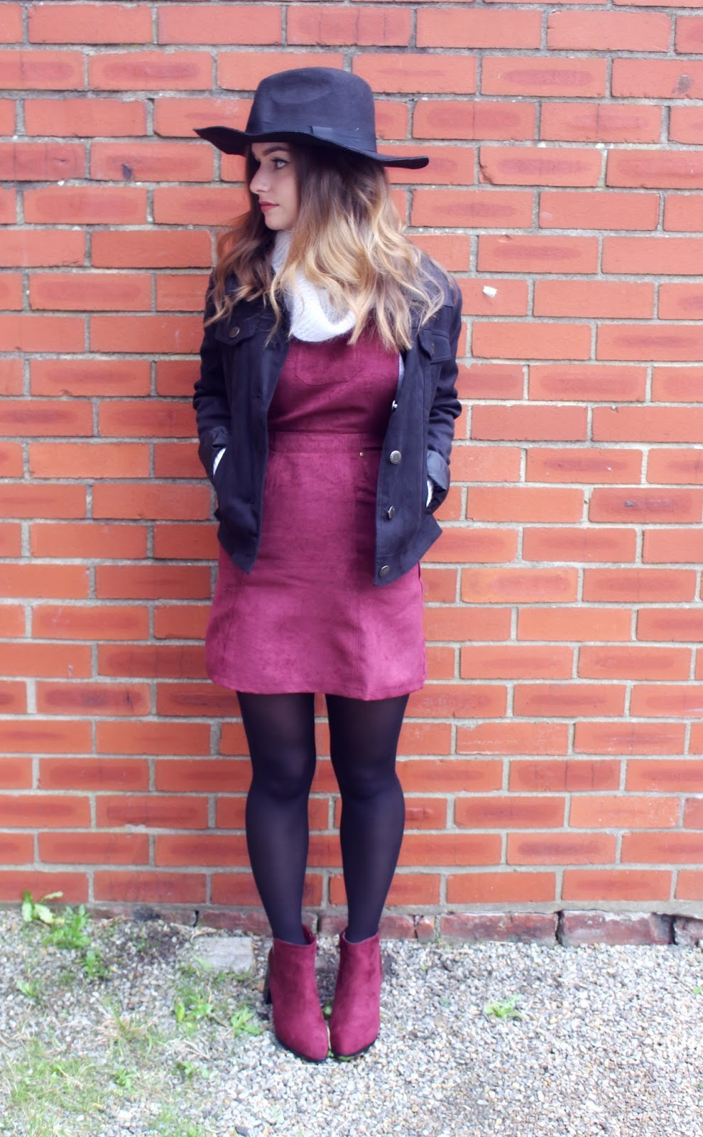 Pretty Little Thing Burgundy Pinafore