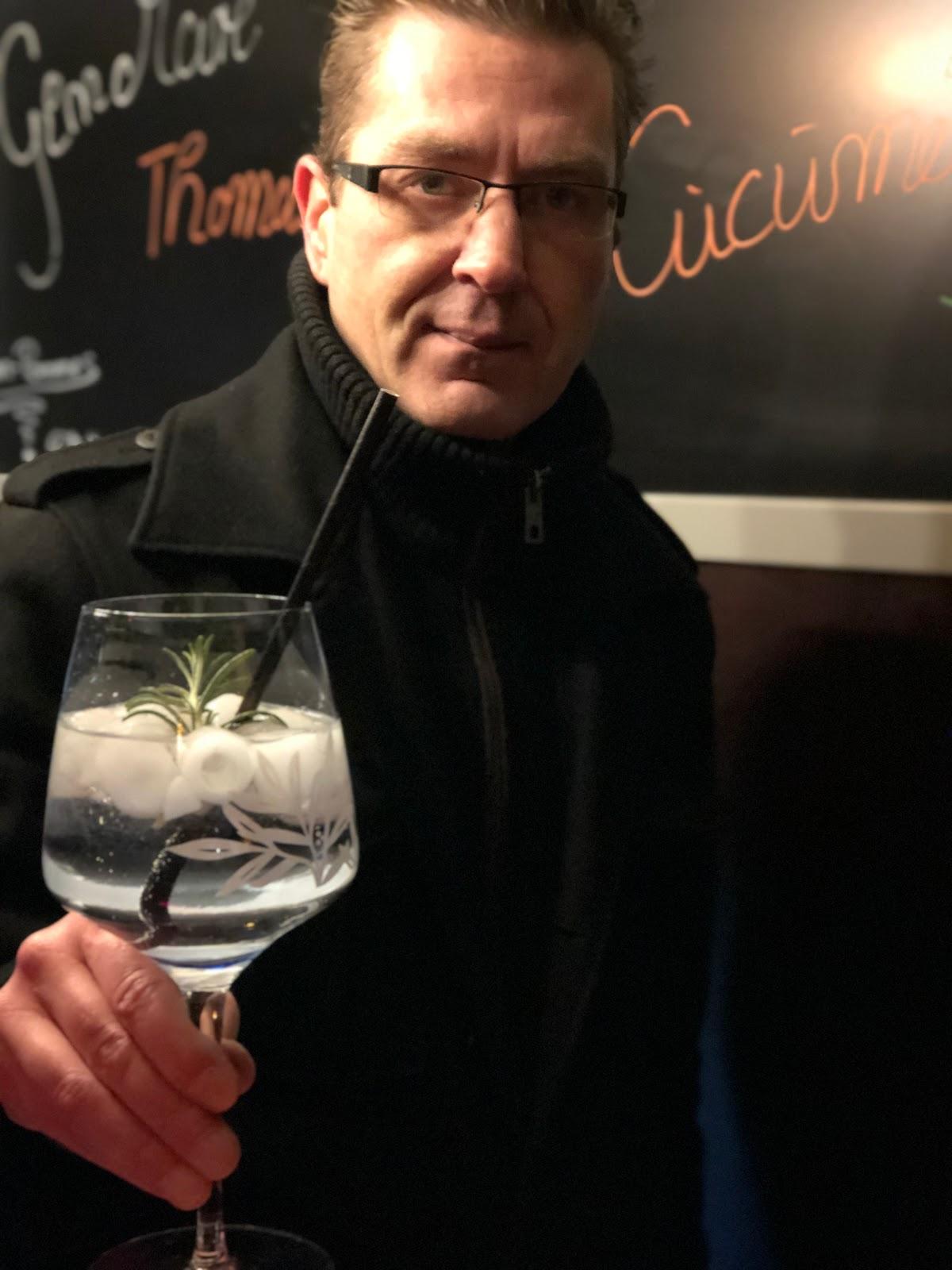 Marcus Herbst, Team HBB, 4 Gin and Drinks, Horseboxbar, Event-Bar, mobile Bar, Bayern, Garmisch-Partenkirchen, Gin-Bar, Oberammergau, König-Ludwig-Lauf by Uschi Glas 4 weddings and events