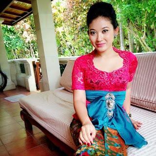 Contoh Kebaya Bali Modern