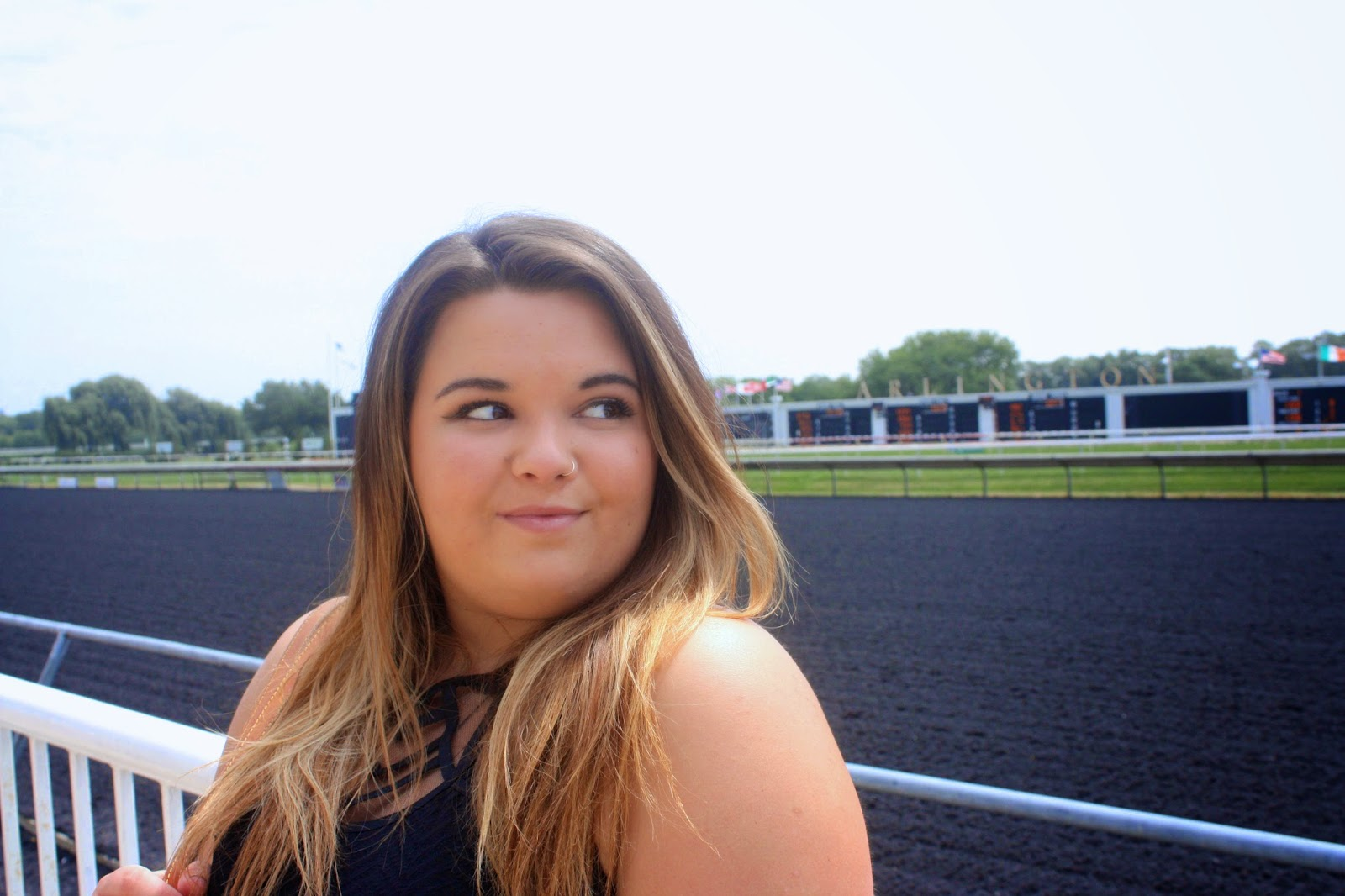 Arlington race track, chicago, Illinois, natalie in the city, natalie craig, americas best racing, horse race attire, horse race outfits, forever 21 plus size, fashion blogger, beyonce, gold pattern, pencil skirt, plus size fashion blogger, gladiator sandals, nine west, louis vuitton tote, peplum blouse, ombre hair
