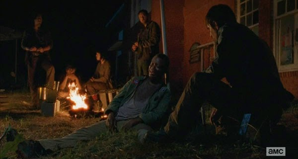 Bob y Gareth en The Walking Dead 5x03 - Four walls and and a roof