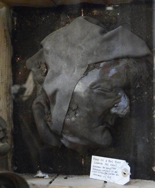 ghost tours in schotland, veenlijk, spookverhalen uit schotland, spoken, paranormale activiteit in schotland,