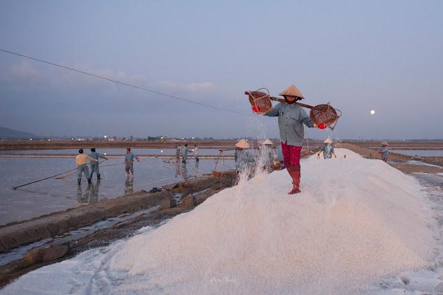 Tham quan ruộng muối Hòn Khói, Dốc Lết