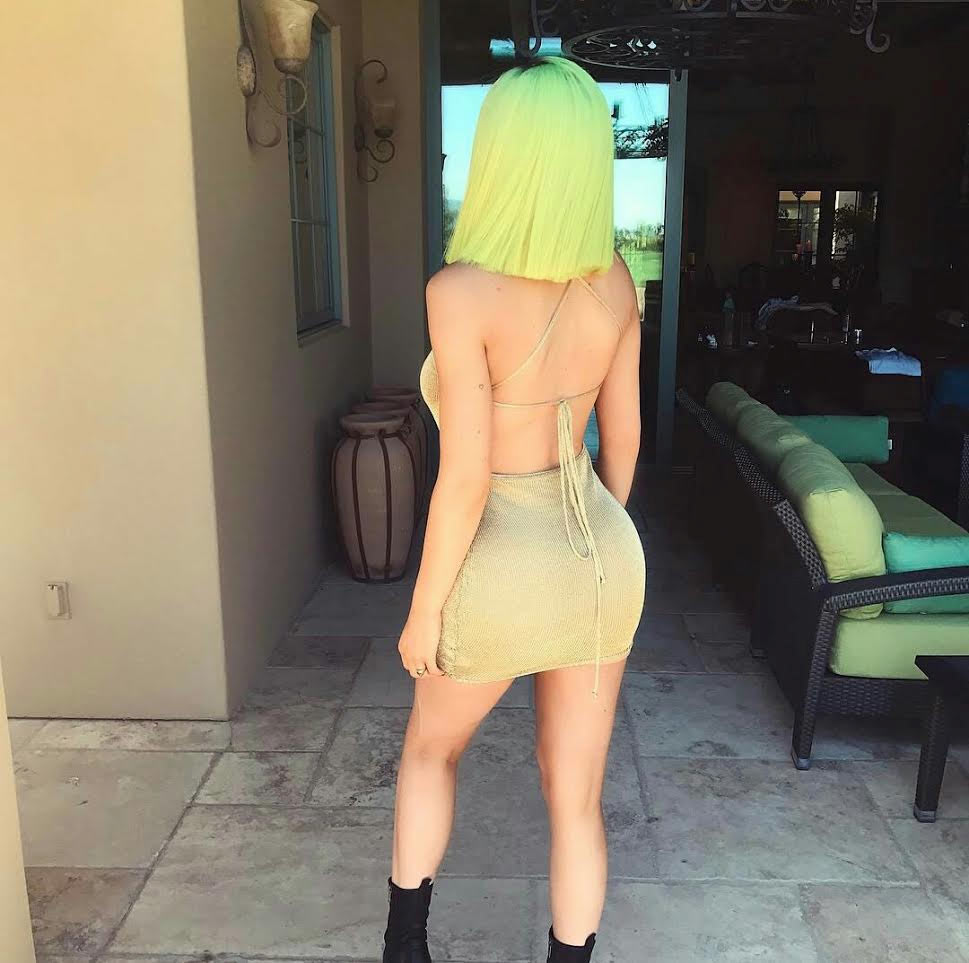 You like? Kylie Jenner goes for green hair