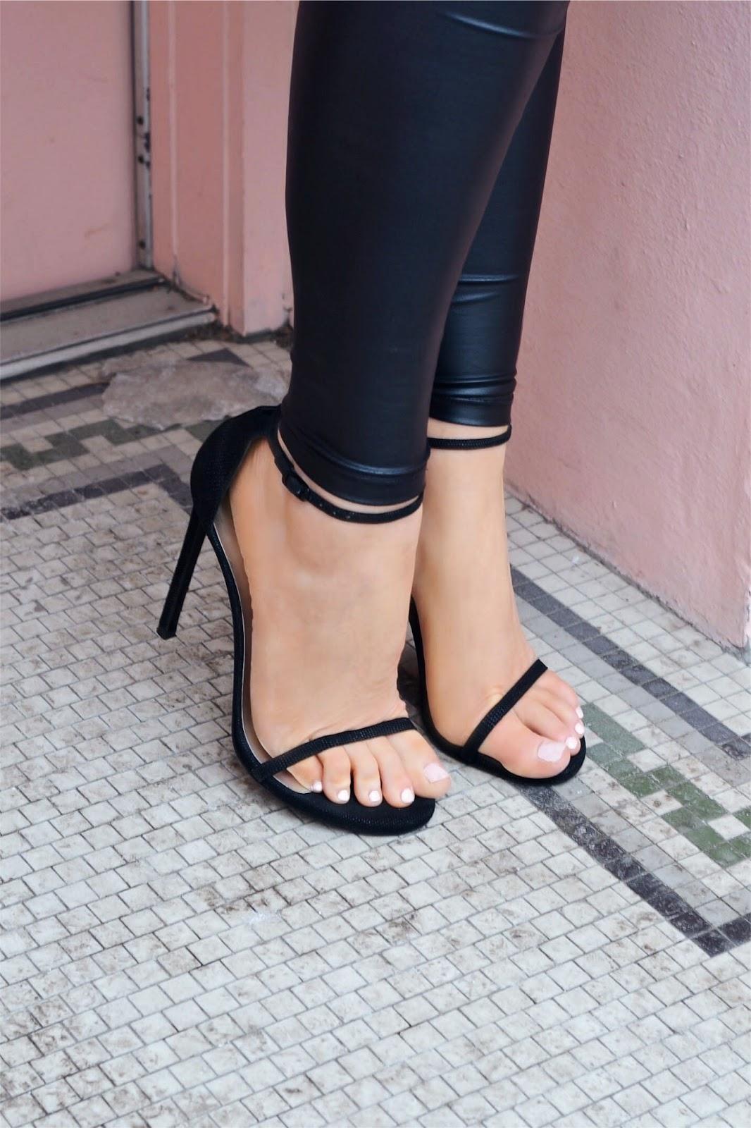 stuart weitzman nudist heels black