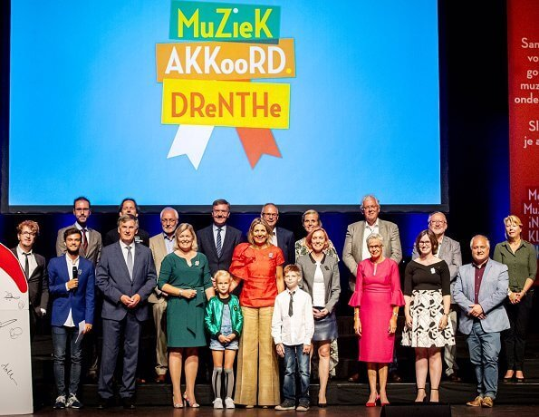 Queen Maxima visited Hoogeveen city for More music in the classroom programme. Natan top