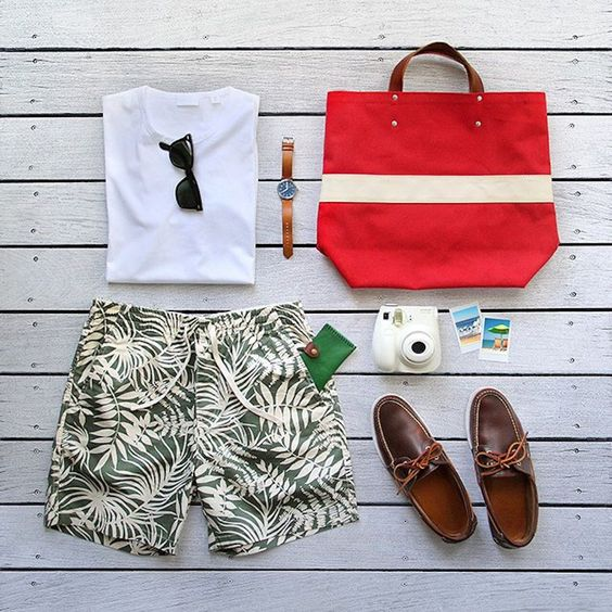 Look Masculino com Short Resort Estampado
