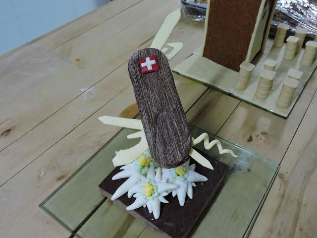 Couteau suisse en chocolat