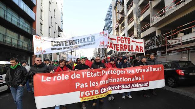 Trabajadores belgas protestan por el cierre de multinacionales