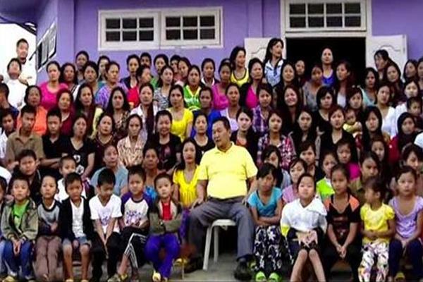 सबसे बड़ा परिवार 39 बीवियां 94 बच्चे