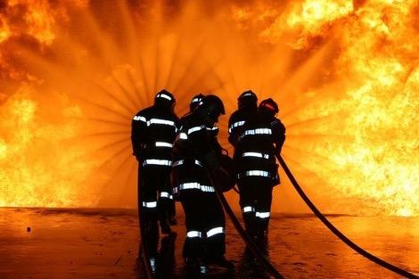 إصابة أزيد من 10 عمال في حريق بفندق بمراكش