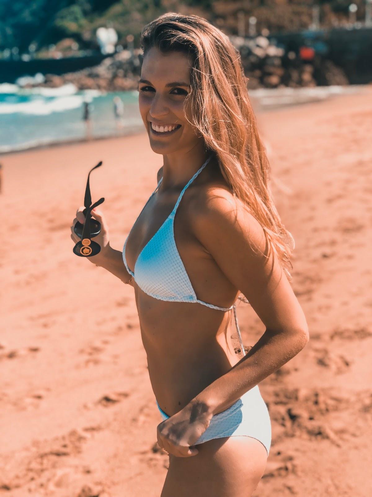 bikini triángulo blanco