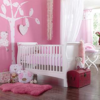 Dormitorio de bebé rosa