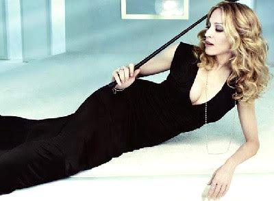 Foto de Madonna posando echada