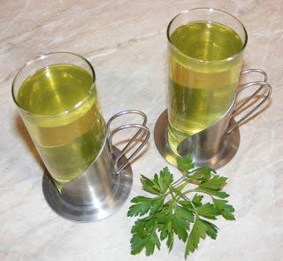 ceai de patrunjel, sanatate, ceai de patrunjel preparare, ceai de patrunjel pentru slabit, dieta cu ceai de patrunjel, cura cu patrunjel, dieta cu patrunjel, diete, cure, regim, retete, leacuri babesti, retete naturiste, ceaiuri, ceai, ceai de patrunjel verde,