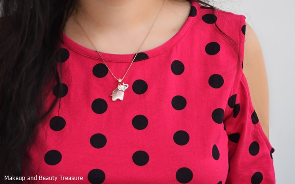 elephant necklace outfit