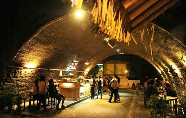 Alamat Kafe Kolong Unik di Bawah Jembatan Jember