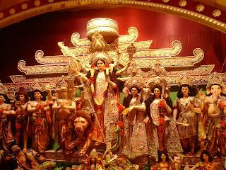 भगवती दुर्गा संगठित शक्ति प्रतीक हैं