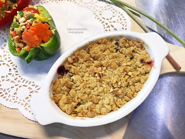 Apple Blueberry Raisin Crumble Picture Credit To Bowie Cheong
