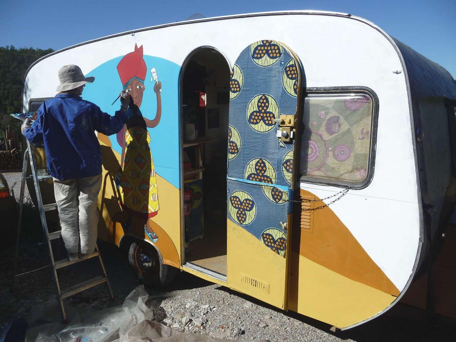 atelier des zarkyroul restauration de la caravane peinture. Black Bedroom Furniture Sets. Home Design Ideas