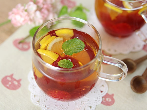 Cách pha chế một ly trà xanh trái cây đặc biệt thơm ngon