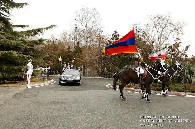 Fibra óptica entre Armenia e Irán