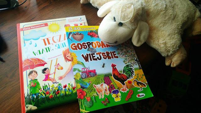 książeczki o gospodarstwie wiejskim i ciekawostkach ze świata natury, zwierzęta wiejskie, książka z naklejkami