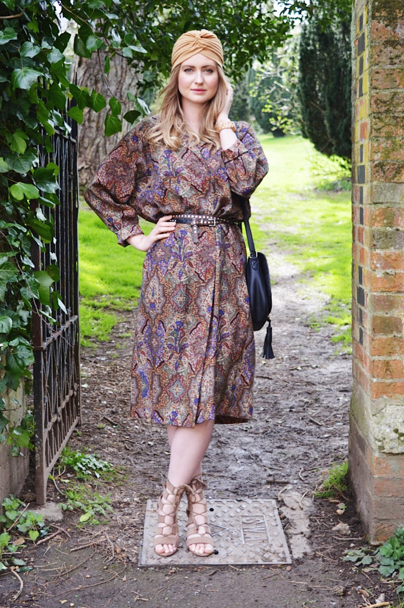 How to style vintage clothing, FashionFake blog, UK fashion blog, fashion bloggers, vintage clothing