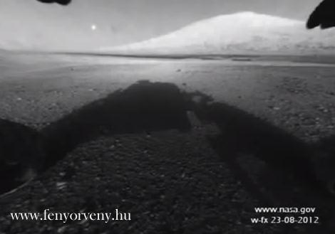 Idegen hajót filmezett az egyik marsjáró - VIDEÓVAL!