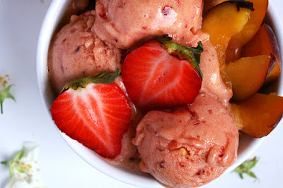 http://be-alice.blogspot.com/2016/07/strawberry-peach-ice-cream-raw-vegan.html