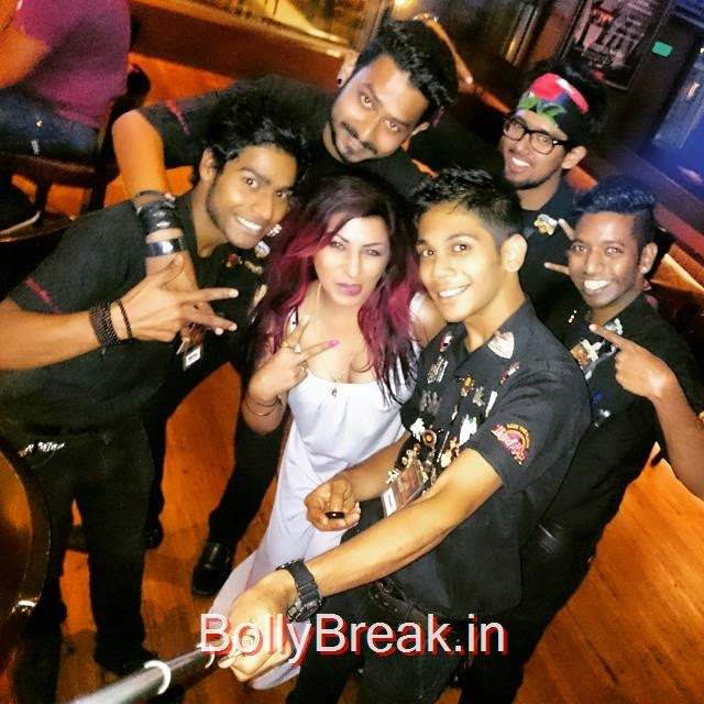 an artist with talent b-)  r rc india ,  r rc and her i , bartender , kick ass monday , hard kaur ,, Hard Kaur Hot Pics From Party