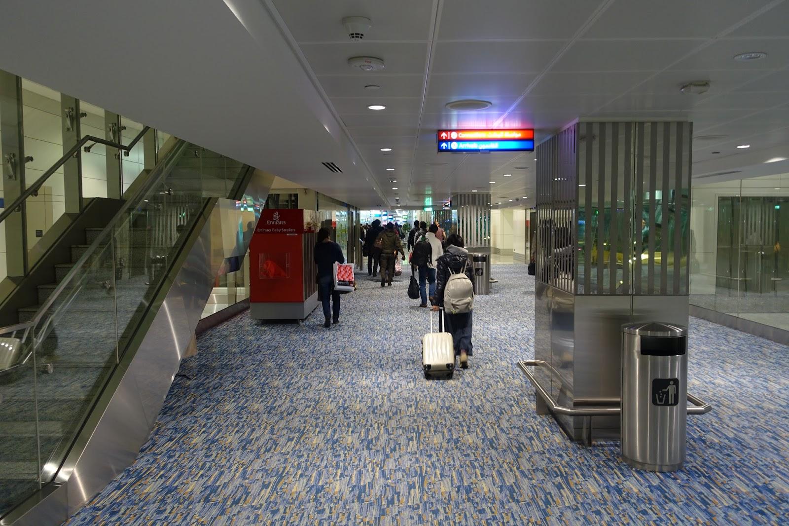 ドバイ国際空港のエミレーツ専用 ターミナル3