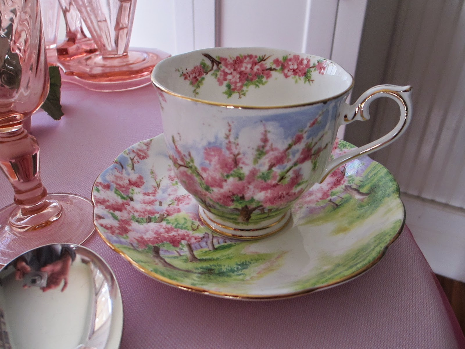 Table For One Pretty In Pink Depression Glass Table