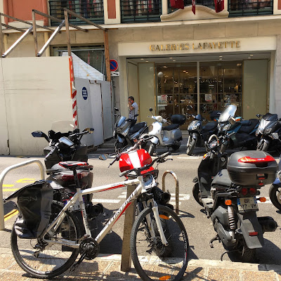 bike rental shop in nice