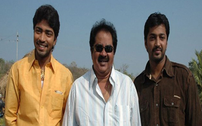 Allari Naresh with father and brother