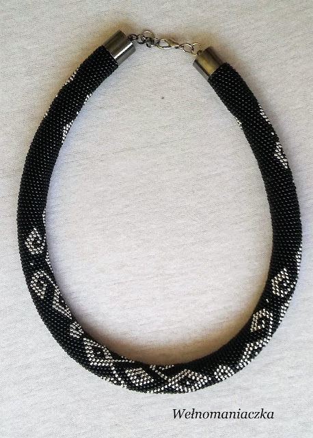 Czarno – srebrny naszyjnik z Toho