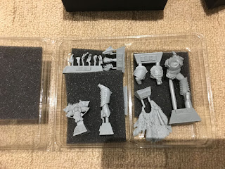 Forgeworld Horus Heresy box open - Russ sprues